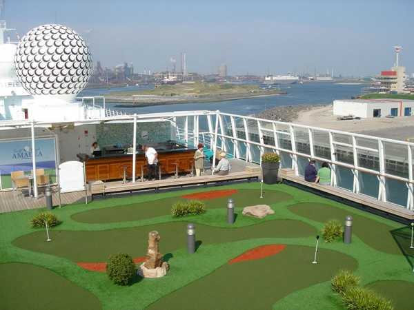 Adventure golf ship myview golf